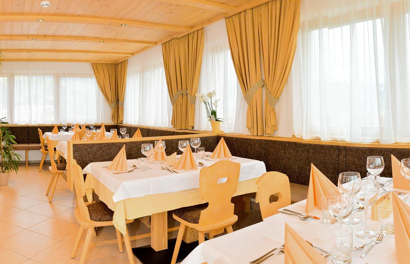 La Sala Da Pranzo Dell'Hotel Brunnerhof In Alto Adige: Vacanze In  #B87413 1400 900 Sala Da Pranzo Del Quirinale
